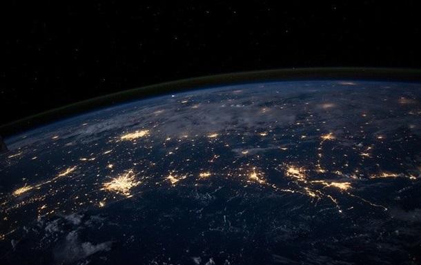 Астронавт NASA снял Землю из окна Crew Dragon