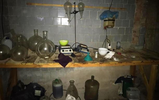 На Чернігівщині ліквідували нарколабораторії та вилучили 40 кг наркотиків