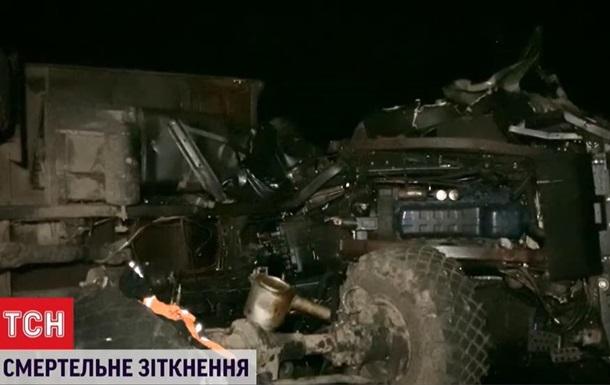 В Кировоградской области два человека погибли в ДТП с военным грузовиком