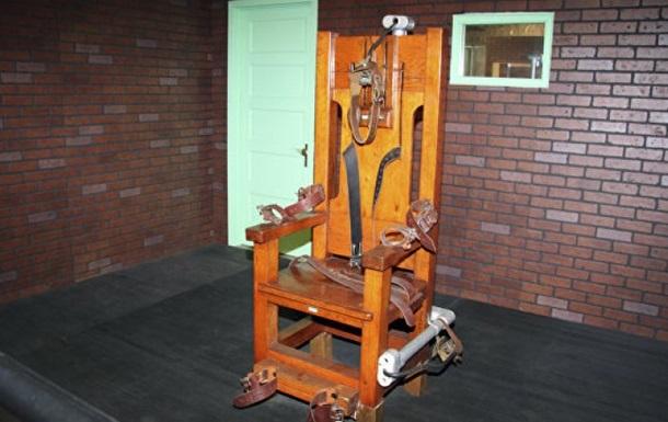 В США разрешили применять электростул, газ и расстрел для смертной казни