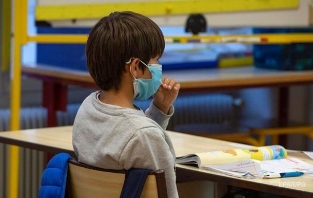 У МОЗ підрахували, скільки школярів і вчителів захворіли на COVID-19