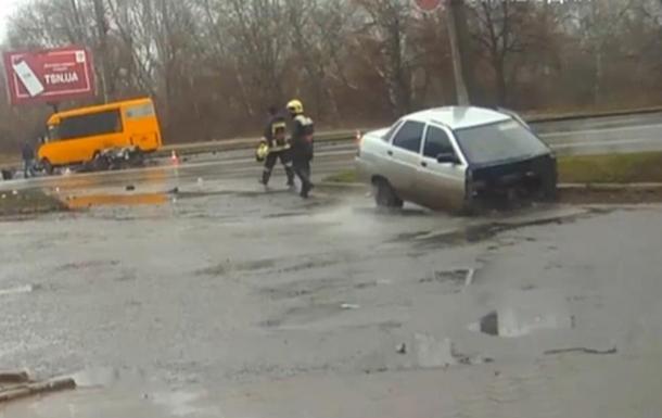 В Сумах разорвало авто, водитель не пострадал