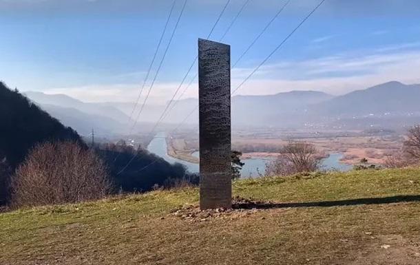 В Румынии обнаружили загадочный монолит