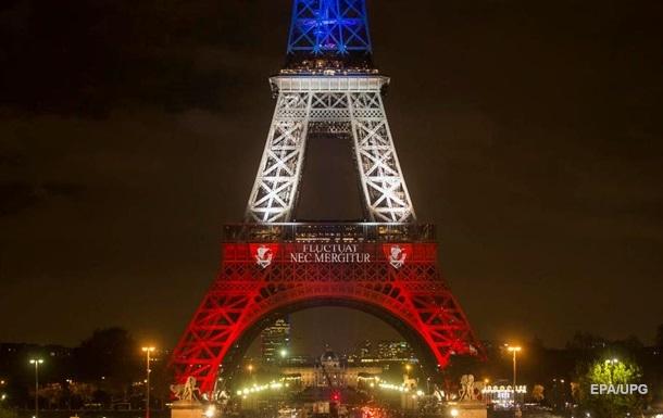 Фрагмент Ейфелевої вежі продали за €275 тисяч