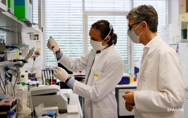 Украина изучает возможность закупки вакцины и тестов в Британии