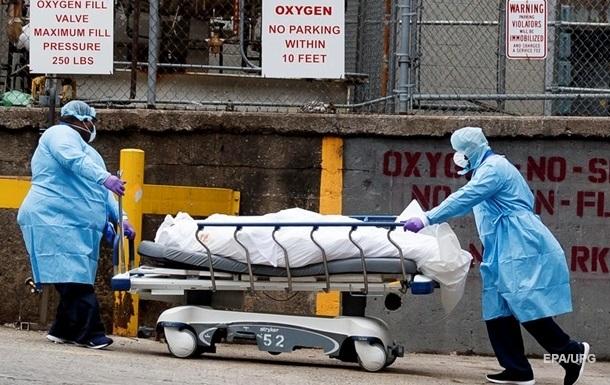 К весне в США число смертей от COVID-19 может достигнуть 450 тысяч