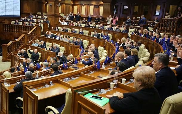 Парламент Молдови схвалив проект про зняття заборони на російське ТБ