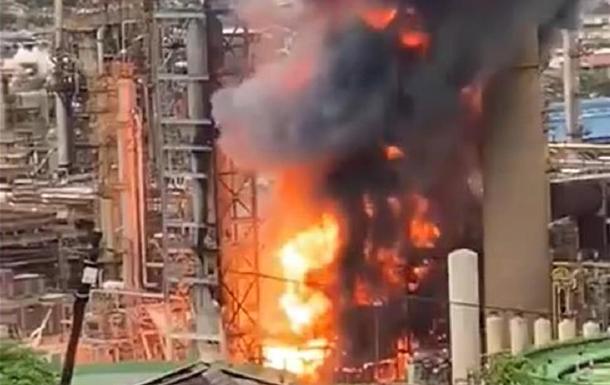 В ЮАР произошел взрыв на нефтезаводе