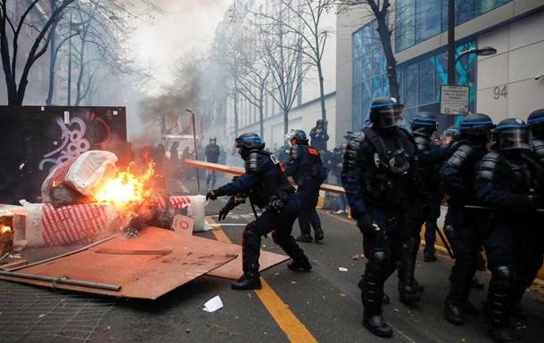В Париже протестуют против закона о полиции