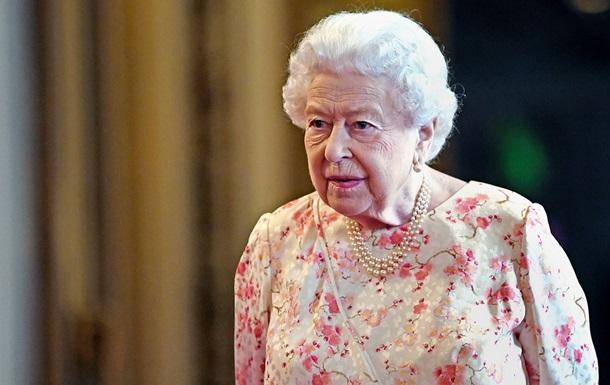 Елизавета II планирует вакцинироваться от коронавируса
