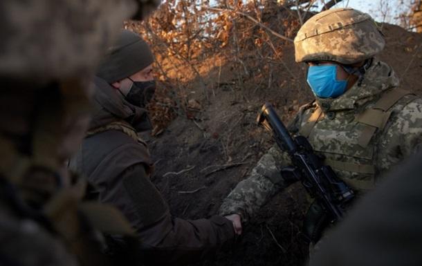 Зеленський з їздив до військових на Донбас