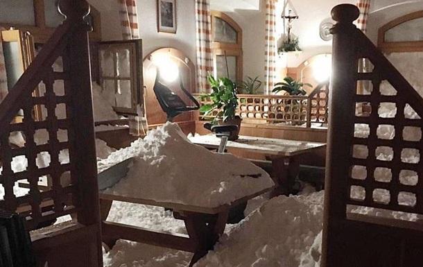 Снігопад у Альпах: хаос на дорогах і загроза сходження лавин