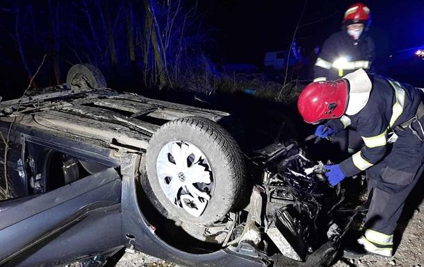 У ДТП в Хмельницькій області загинули троє людей