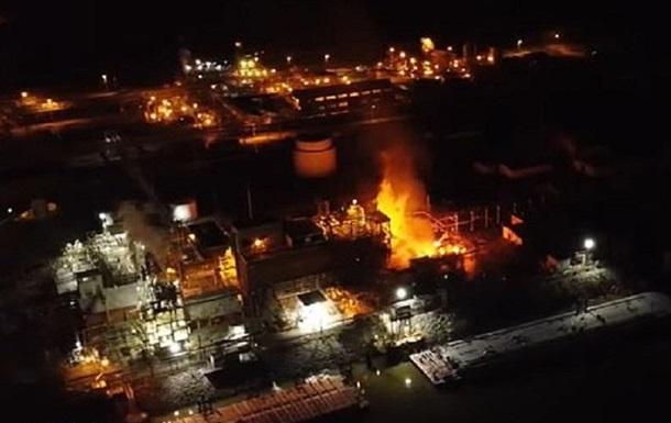 В США на химзаводе произошел взрыв с пожаром