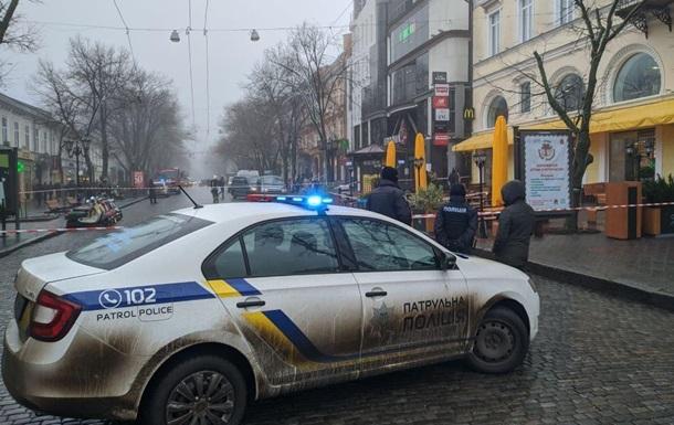 В кафе Одессы мужчина угрожал взорвать гранату