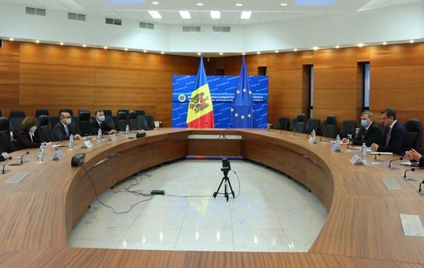 Кулеба зустрівся з обраним президентом Молдови