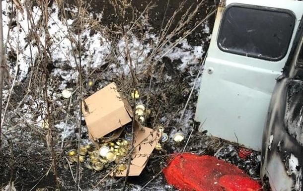 На Харьковщине сгорел микроавтобус с контрабандной икрой