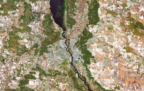 Киев показали на снимке из космоса