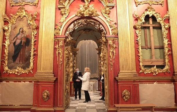 Зеленский прокомментировал открытие отреставрированной Андреевской церкви