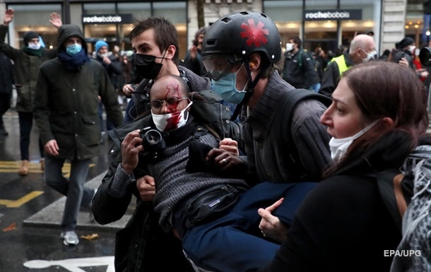 Во Франции снова протестовали против ограничений свободы прессы