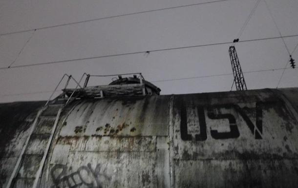 Во Львове девочка погибла во время селфи на железной дороге