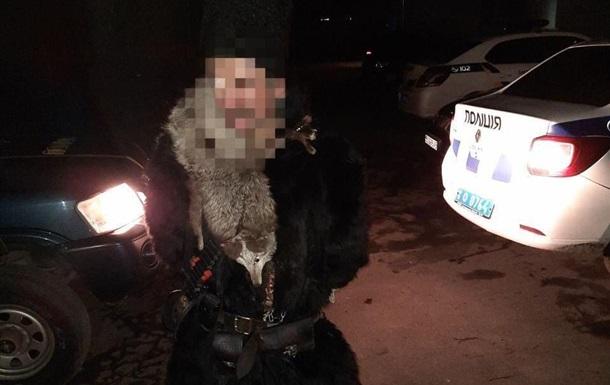 В Дрогобыче вандал топором повредил памятник Папе Римскому