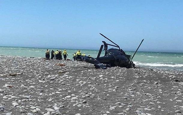 В Новой Зеландии вертолет рухнул на пляж, есть погибшие