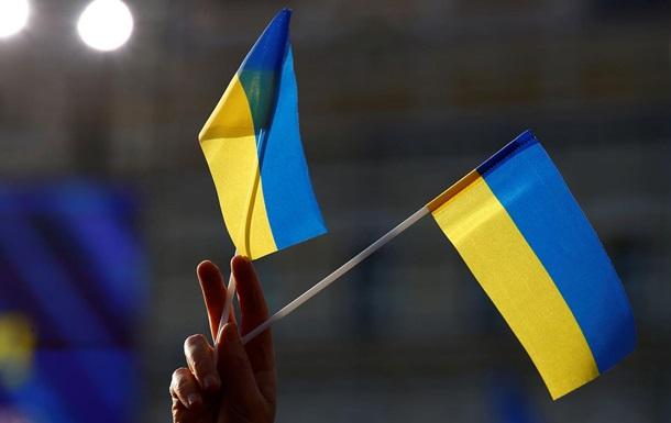 Трое украинцев вернулись домой после тюрьмы в Лаосе - Денисова