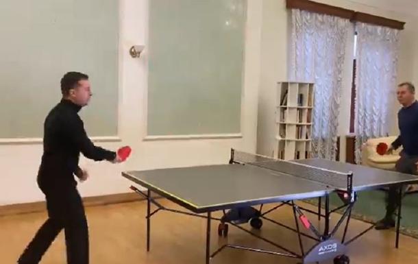 Мендель показала видео физкультперерыва Зеленского