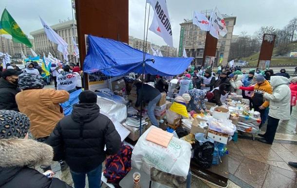 На Майдані протестувальники встановили польову кухню