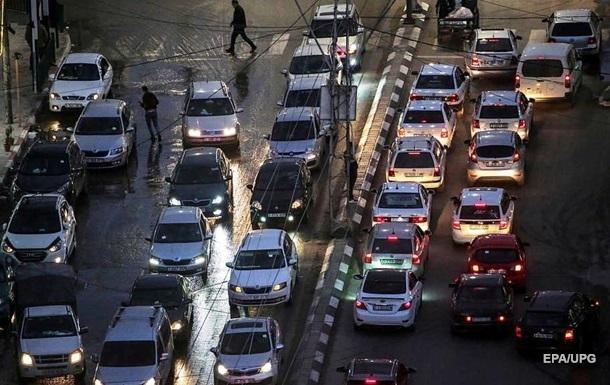Назван самый опасный день недели для водителей и пешеходов