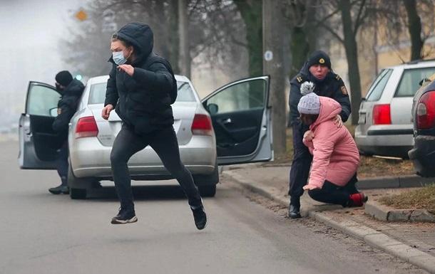 В Минске начали задерживать протестующих