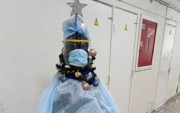 В больнице Киева появилась специфичная елка