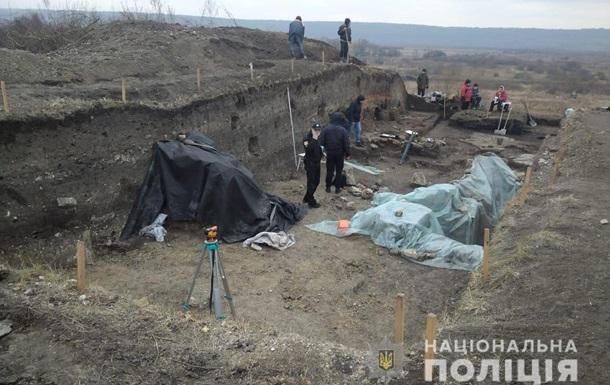 Под Львовом повредили археологический памятник