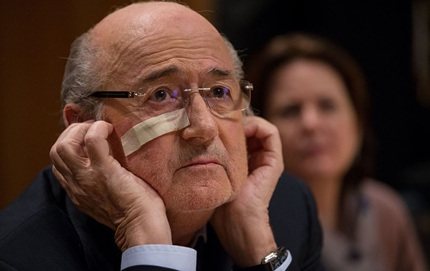 ФИФА потребовала возбудить уголовное дело против Блаттера