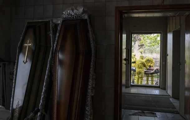 У жовтні в Україні зафіксовано різке зростання смертності