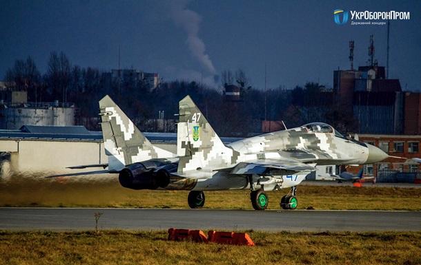 Українським військовим передали відремонтований винищувач МіГ-29
