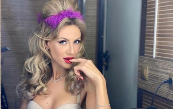 Леся Нікітюк здивувала дуже короткою сукнею