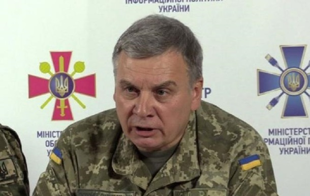 Министр обороны назвал 'фальцетом' слухи о своей отставке