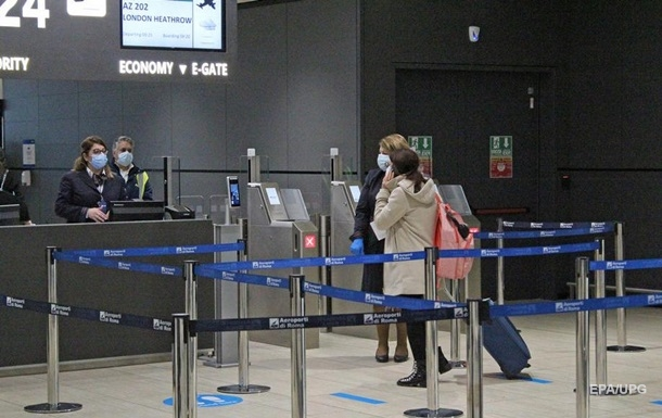 Украина не будет прекращать авиасообщение на праздники – Кулеба