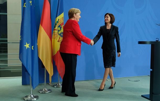 Сближение с Киевом. Политический кризис в Молдове