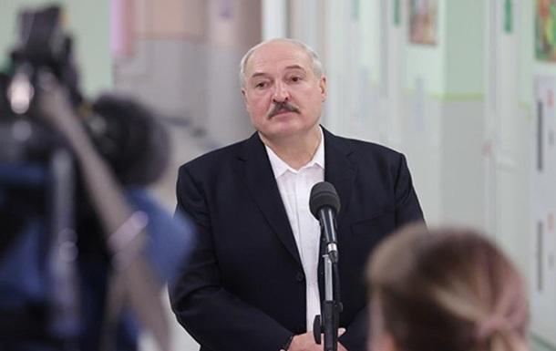 Через Украину тоннами везли оружие – Лукашенко