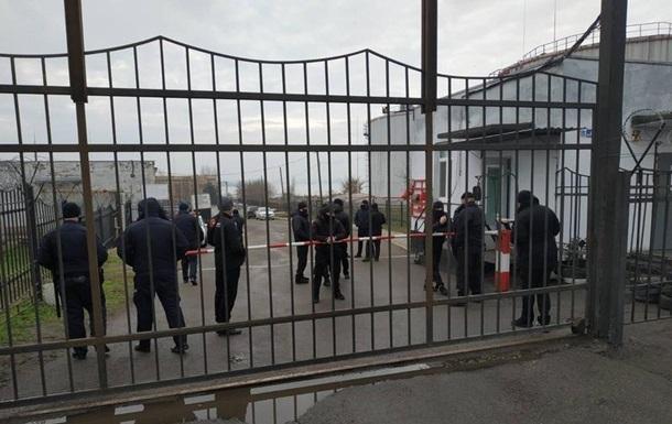 У Миколаєві невідомі захопили нафтобазу