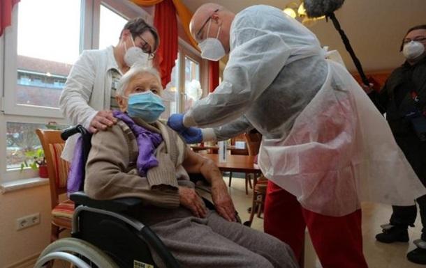 Германия досрочно начала вакцинацию от COVID-19