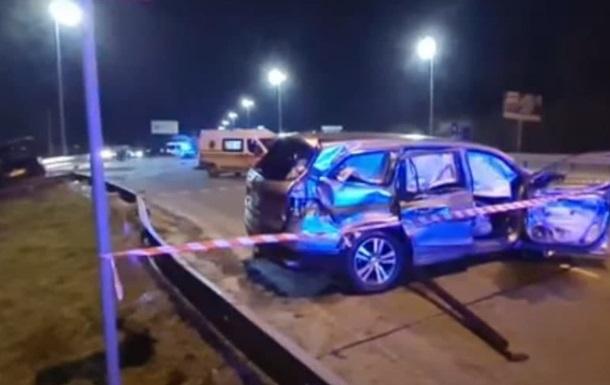 Части тел и машин по всей дороге: под Киевом произошло жуткое ДТП