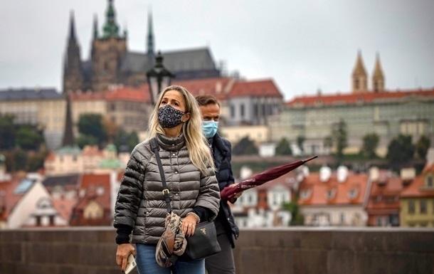 Чехия перешла на максимальный уровень эпидугрозы