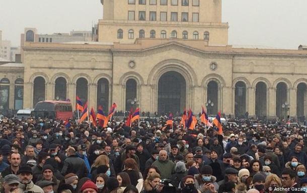 У Вірменії опозиція не погоджується на дострокові вибори