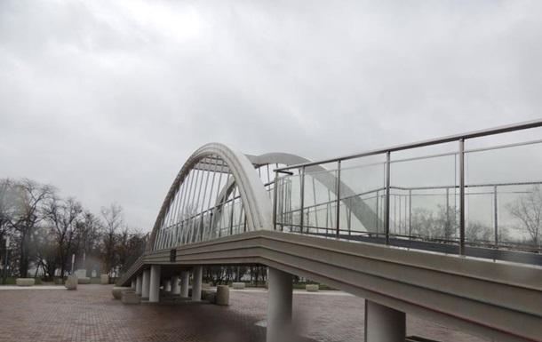 В Крыму треснула 55-метровая копия Керченского моста