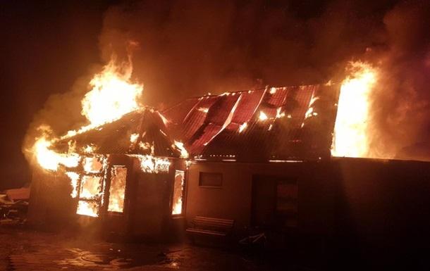 Під Одесою через новорічну гірлянду згорів будинок