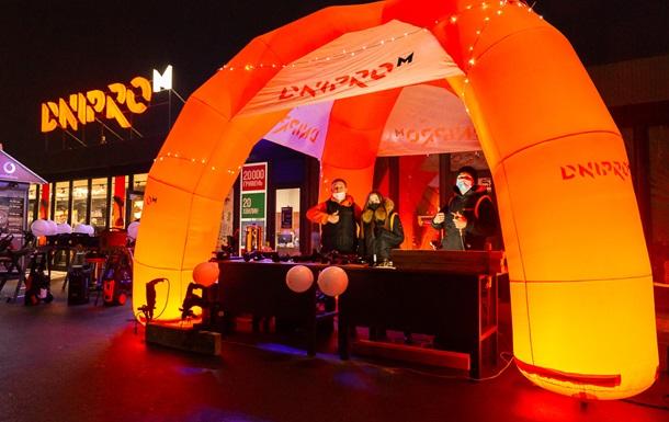 Дед Мороз отдыхает: Dnipro-M дарит инструменты на 100 000 гривен